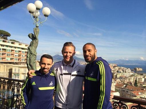 From left to right: Swansea midfielder Leon Britton alongside Lee and Swans skipper Ashley Williams. Photo: @LeeTrundle10