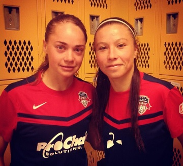 Estefi (left) and Chile international forward Yanara Aedo at Washington Spirit last year. instagram.com/estefibanini_10/